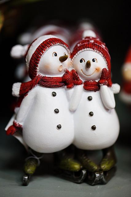 snowmen-83029_640